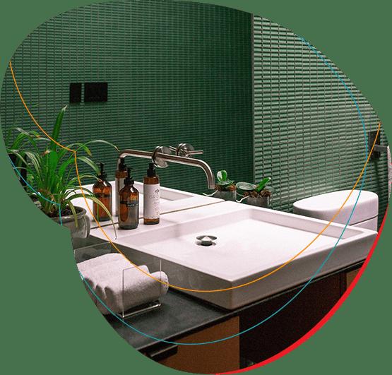 Kriauklė viešbučio vonios kambaryje